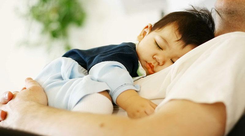 Tuyệt chiêu chăm sóc con dành cho các bố