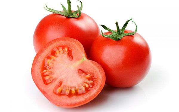 điều trị rạn da sau sinh với cà chua
