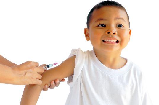 Tiêm ngừa vắc xin sởi cho trẻ