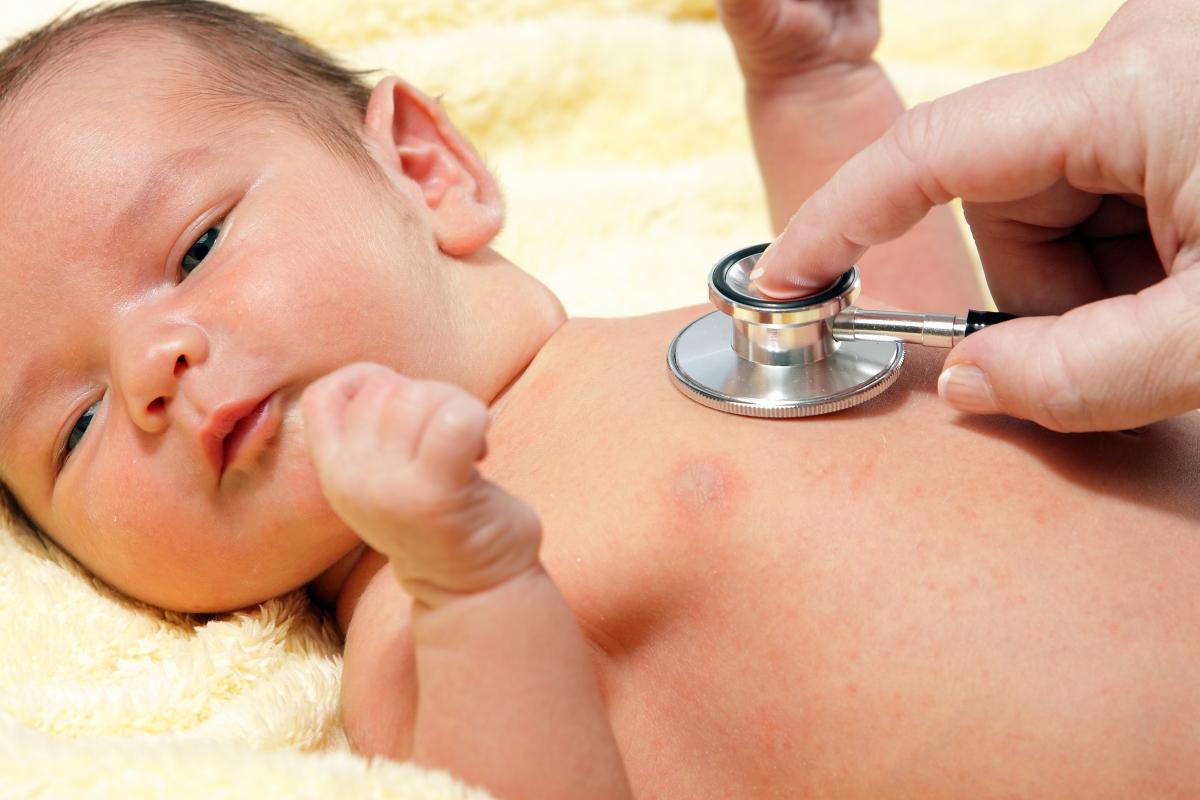 Bệnh vàng da ở trẻ có chữa được không?