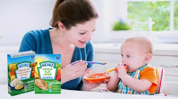 bột ăn dặm cho bé 4 tháng tuổi