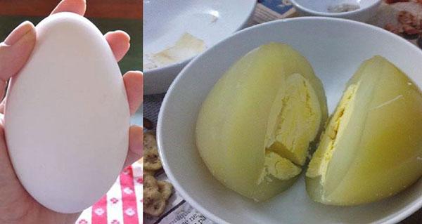 Món trứng ngỗng luộc