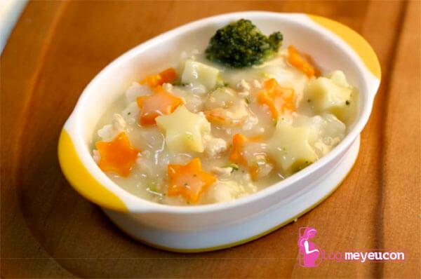 Món súp khoai tây, cà rốt và củ cải