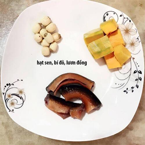 Cháo bí đỏ, hạt sen, lươn