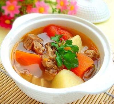 Khoai tây nấu cà chua