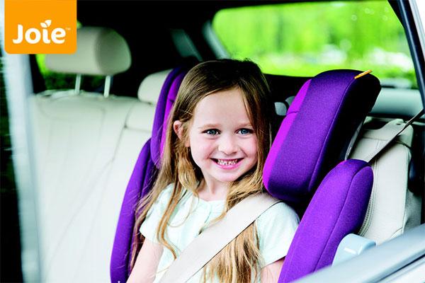 Lắp ghế ngồi ô tô đúng cách cho bé