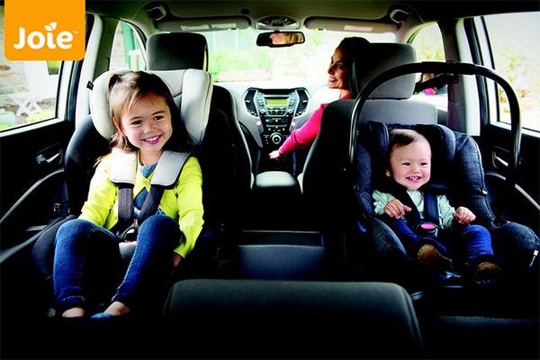các bé trong độ tuổi từ 0 - 2 tuổi sẽ được đảm bảo an toàn gấp 5 lần khi sử dụng ghế ngồi ô tô được lắp đặt quay về phía sau