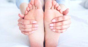 Phù chân khi mang thai nguy hiểm thế nào?