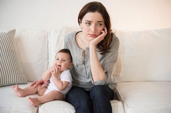 Bệnh trầm cảm sau sinh có nguy hiểm không?