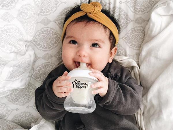 Bình sữa cho bé Tommee Tippee