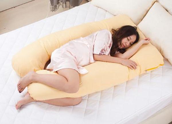 Mang thai 3 tháng cuối nên nằm ngủ nghiêng về bên trái