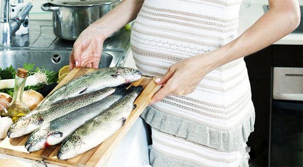 Những loại cá mà bà bầu không nên ăn