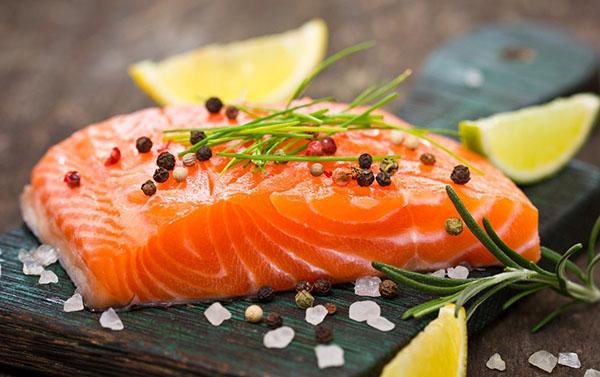 Cá hồi rất tốt cho phụ nữ khi mang thai
