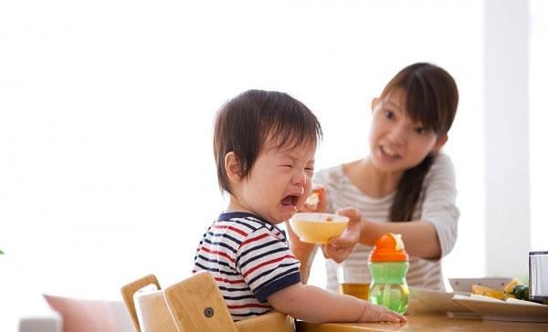 Nguyên nhân khiến trẻ chậm tăng cân