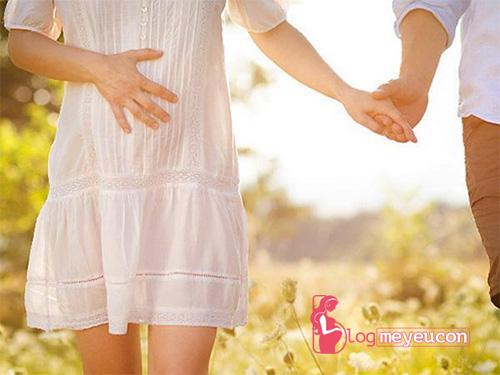 Mẹ nên đi bộ khi mang thai
