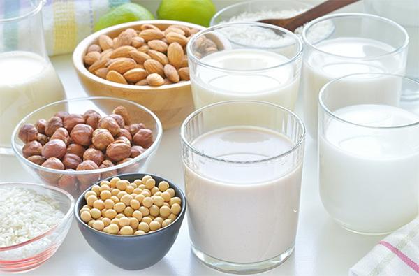 Sữa từ các loại hạt cũng rất tốt cho phụ nữ sau sinh