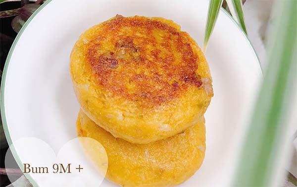 Bánh bí đỏ thịt bò phomai cho bé 8 – 9 tháng tuổi   Ảnh Liên Lê