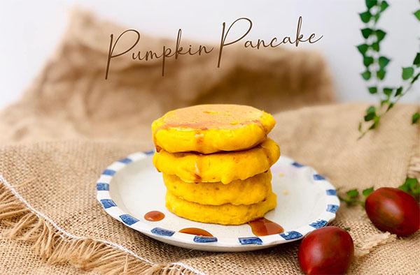 Bánh Pancake bí đỏ cho bé từ 7 tháng tuổi