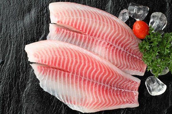 Cá diêu hồng giàu selen, vitamin A, kali và axit béo omega-3 tốt cho sự phát triển của trẻ.