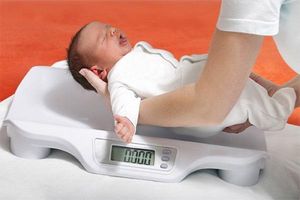 Nguồn sữa mẹ nóng có thể khiến trẻ chậm tăng cân