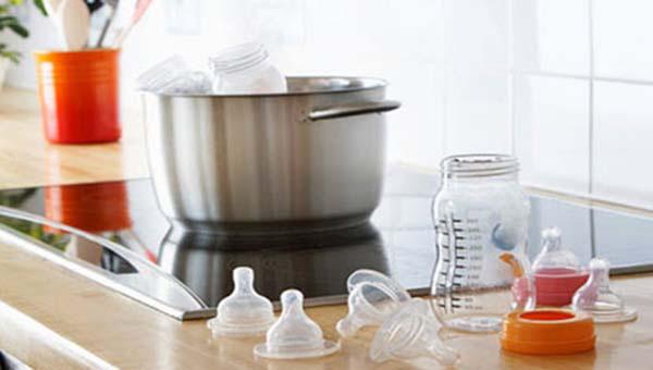 Dụng cụ vắt sữa, trữ sữa cần được đảm bảo vệ sinh, tiệt trùng