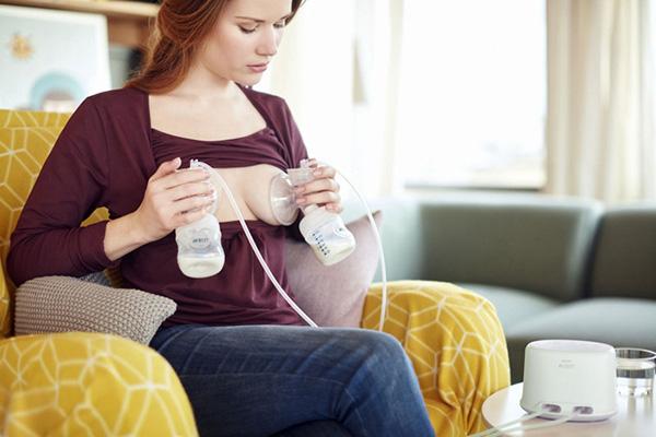 Có thể chữa tắc tia sữa bằng cách sử dụng máy hút