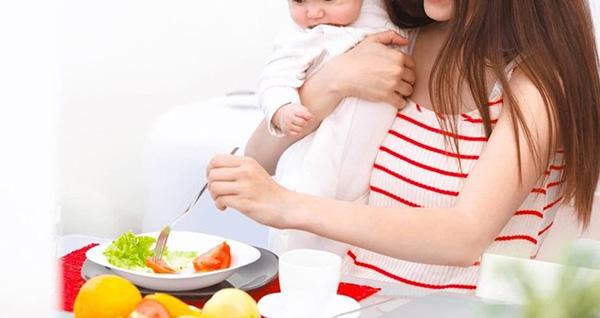 Chất lượng sữa mẹ phụ thuộc nhiều vào chế độ dinh dưỡng