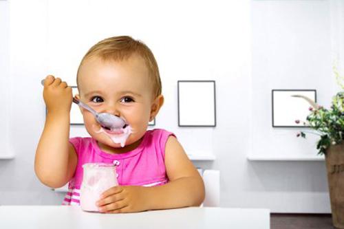 Trẻ 6 tháng tuổi ăn sữa chua được không?