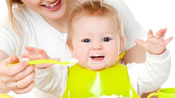 Cho trẻ ăn sữa chua khi nào tốt?